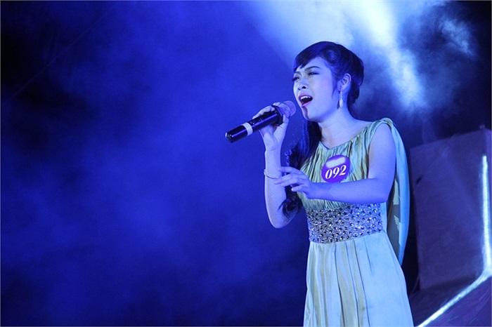 Nguyễn Hà Giang lựa chọn ca khúc 'Mong anh về' khá quen thuộc nhưng đoạn điệp khúc lại chưa thể hiện được sự khác biệt