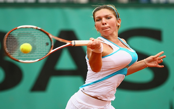Năm 2012, cả làng tennis ngỡ ngàng vì sự xuất hiện của tay vợt mới ngoài đôi mươi này song không phải bởi tài năng mà bởi vòng 1 quá cỡ của cô.