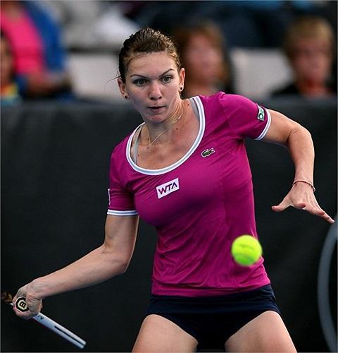 Simona Halep thi đấu bắt đầu linh hoạt hơn.
