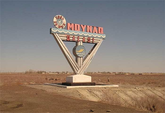 """Nơi đây từng là một thành phố đông đúc thời Xô viết, nhiều dấu tích """"phồn hoa"""" hiện vẫn còn sót lại ở vài nơi."""