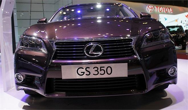 Lexus GS 350.