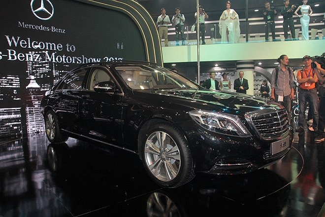Mercedes-Benz S500 mới, có 7 lựa chọn về màu sắc, giá bán từ 4,3 tỷ đồng.