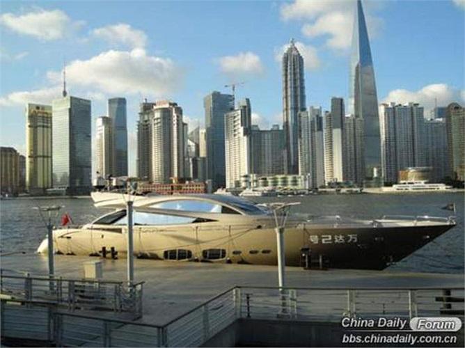 Thời điểm đó, chiếc du thuyền được Sunseeker mô tả là loại du thuyền cá nhân lớn nhất, đắt nhất và sang trọng nhất lịch sử Trung Quốc.