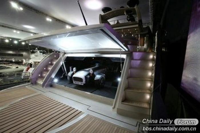 Vẻ đẹp sang trọng, tiện nghi, lộng lẫy bên trong du thuyền của đại gia Wang.