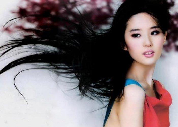 5. Lưu Diệc Phi. Vai Vương Ngữ Yên trong Tân Thiên long bát bộ chính là vai diễn đầu tiên khiến khán giả biết và nhớ tới nữ minh tinh Lưu Diệc Phi.