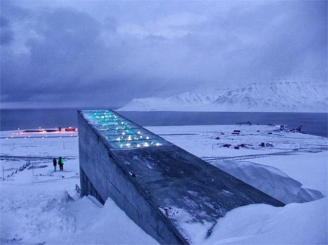 Nếu phát hiện thiết bị ổn định nhiệt độ bị lỗi khoảng 3 độ C, các giám sát viên ở thành phố Longyearbyen gần đó sẽ nhanh chóng khắc phục.