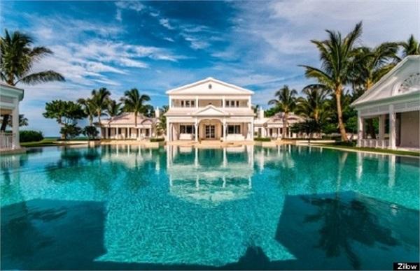 Vào năm 2008, Celine Dion và chồng đã chi 7 triệu USD để mua một ngôi biệt thự trên đảo Jupiter.