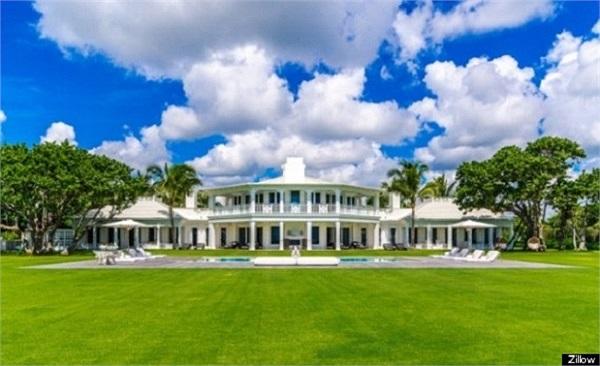 Trước đó, năm 2005, họ cũng đã chi khoảng 12,5 triệu USD mua lại các khu đất bên cạnh ngôi biệt thự này.