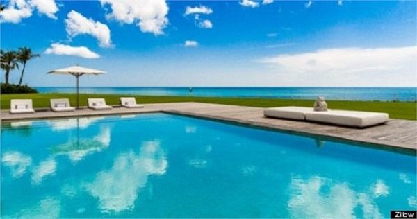 Được xây dựng trên một khu đất rộng lớn, biệt thự của Celine Dion bao gồm 1 nhà ở chính, 5 sảnh đường riêng biệt, 2 ngôi nhà 4 phòng ngủ dành cho khách, 4 phòng ngủ cho gia đình, 1 bể bơi trong nhà.
