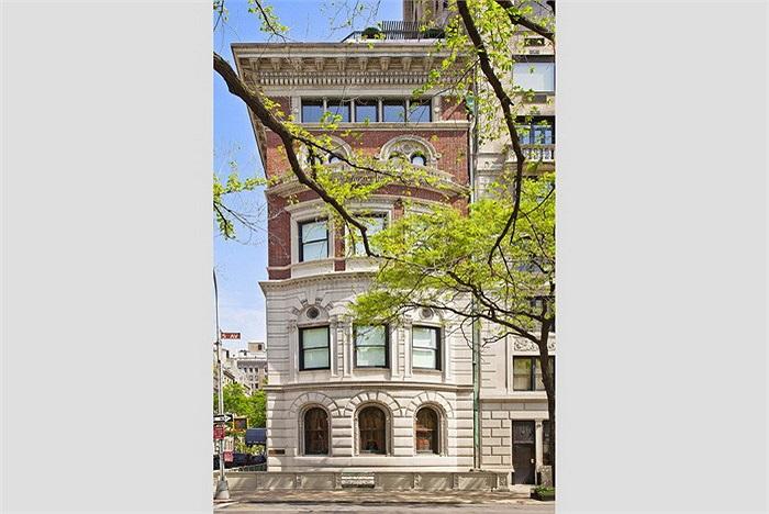 Để sở hữu 3 trong số 5 căn hộ thuộc tòa nhà 828 Fifth Avenue (New York, Mỹ), Abramovich đã phải bỏ ra 75 triệu USD