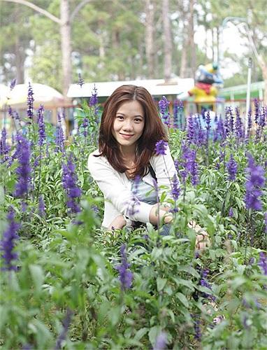 Cô gái xinh đẹp này là một trong những hotgirl nổi nhất trong 'dàn' tiếp viên của hãng hàng không tư nhân Việt Nam.