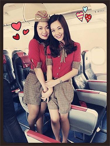 Cô hiện là một trong những tiếp viên trưởng trẻ nhất của Vietjet Air.