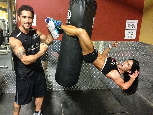 Để giữ thân hình chuẩn, Bella dành rất nhiều thời gian cho việc tập luyện trong phòng gym