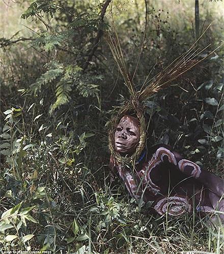 Hai bộ tộc này có trang phục mang phong cách tự nhiên, độc đáo, mà không vùng đất nào trên thế giới có được.
