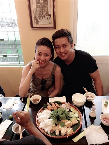 Trên trang cá nhân của bạn bè cũng thỉnh thoảng lại xuất hiện một vài hình ảnh thân mật của Ngân Khánh và Tuấn Hưng.