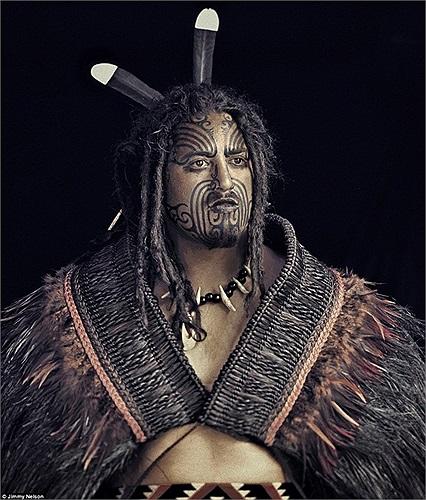 Maori, bộ lạc bản địa của New Zealand, họ là những nhà thám hiểm tài ba khi đặt chân đến vùng đất này từ thế kỷ 13 với những dụng cụ rất thô sơ