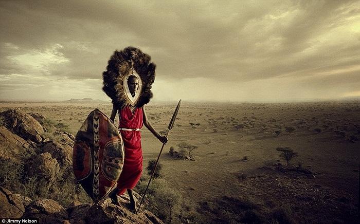 Đây là người Maasai bán du mục, sinh sống ở Đông Phi dọc theo những vùng đất khô cằn của thung lũng Great Rift