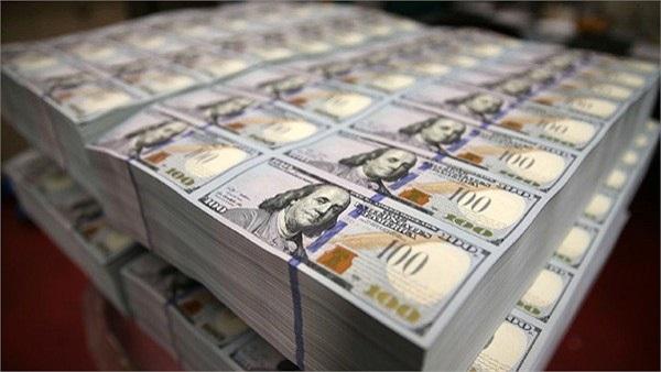 Thiết kế hiện tại của đồng 100 USD (từ năm 1996) cũng như tất cả các đồng tiền trước đó vẫn còn nguyên giá trị lưu hành và vẫn có thể được các ngân hàng chi trả cho người dân. Song khi những ngân hàng này yêu cầu đồng 100 USD từ FED, họ sẽ chỉ nhận đ
