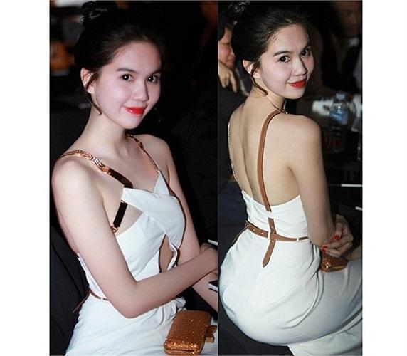 Ngọc Trinh cũng là người đẹp tiên phong cho xu hướng 'thời trang trắng'.