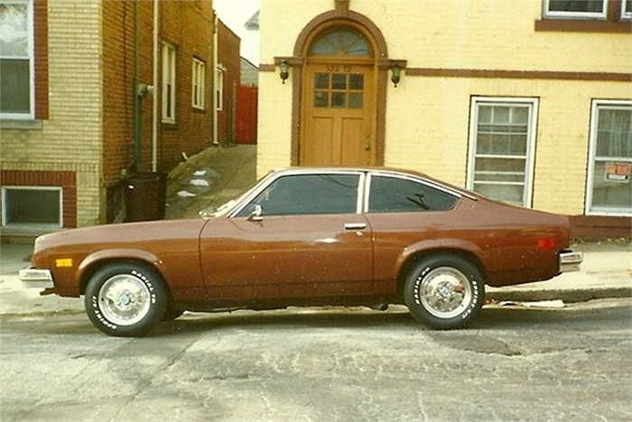Chevy Vega là thất bại điển hình trong nỗ lực phát triển các dòng xe nhỏ để cạnh tranh với các mẫu xe đến từ Nhật Bản tại thời điểm những năm 1970. Những vấn đề trục trặc kỹ thuật đã làm mẫu xe nhanh chóng biến mất khỏi thị trường.