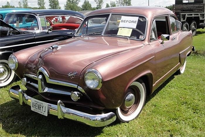 Kaiser-Frazer Henry J được đánh giá là mẫu xe khủng khiếp, và nhà sản xuất thậm chí chẳng bao giờ muốn người ta nhắc đến mẫu xe này nữa. Chiếc xe được bán với giá rẻ mạt vào năm 1950. Xe được trang bị động cơ vô cùng yếu ớt, và có nội ngoại thất xấu