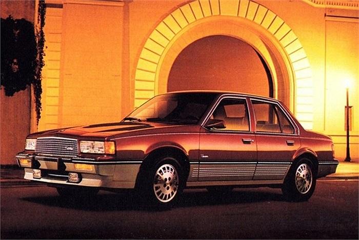 Mẫu xe Cadillac Cimarron giai đoạn 1982-1988 là thất bại của GM khi cố gắng làm cho Chevrolet Cavalier giống với chiếc Cadillac. Thương hiệu một thời Cadillac thất bại và phải thu nhỏ quy mô trong ngành công nghiệp ôtô. Danh tiếng của Cadillac tụt hạ