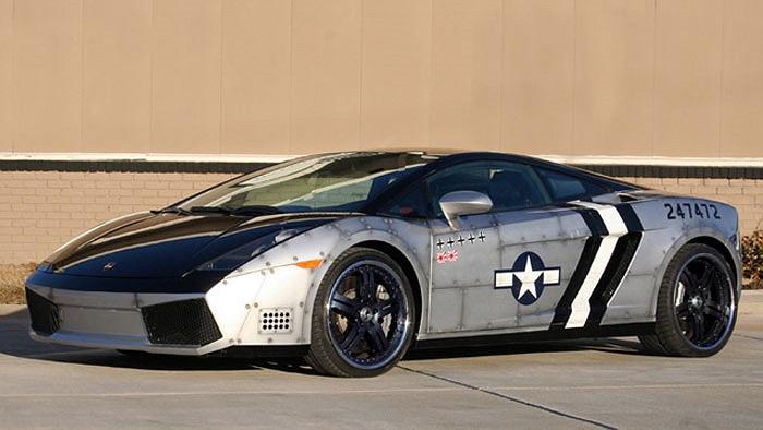 Anh chàng lắm tài nhiều tật Chris Brown muốn tạo dấu ấn riêng khi độ Lamborghini Gallardo theo phong cách máy bay chiến đấu nhưng sự biến đổi này chỉ làm siêu xe này xấu đi.