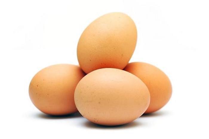 Collin - một chất giống vitamin - được giới khoa học đánh giá là món quà tuyệt vời đối với bộ não. Lòng đỏ trứng là thức ăn chứa nhiều collin nhất.