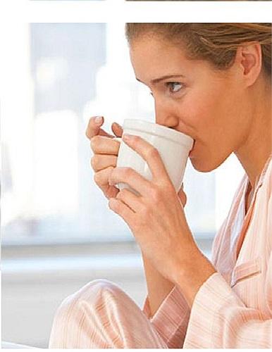 Những chất như cafein không làm tăng chỉ số IQ của bạn nhưng nó có thể giúp linh hoạt và tập trung hơn trong khi làm việc. Cafein thường được tìm thấy trong cà phê, sôcôla, đồ uống tăng lực, và một số loại thuốc.