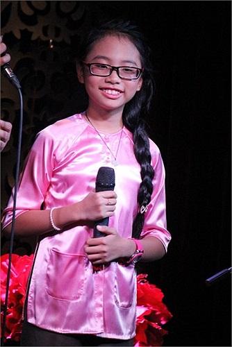 Hai MV của Phương Mỹ Chi và cô bé 11 tuổi có nhiều điểm tương đồng, nhưng chỉ MV của Á quân The Voice Kids là nhận được sự ủng hộ tích cực.