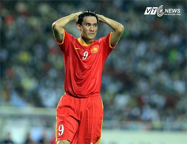 Công Vinh không có tên trong danh sách tập trung đội tuyển Việt Nam chuẩn bị cho lượt về vòng loại Asian Cup 2015 vào tháng 11 tới.