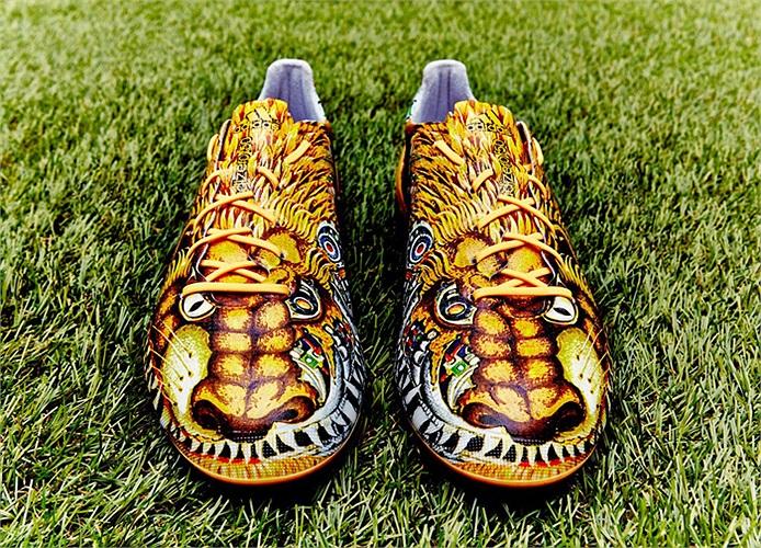 Hãng đồ thể thao danh tiếng Adidas vừa cho ra mắt một đôi giày độc đáo có tên là Adizero F50.