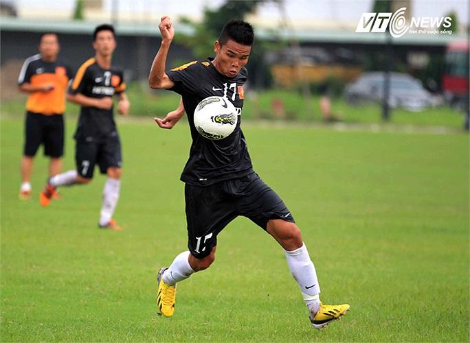 Văn Thắng là một tiền vệ chất lượng của U23 Việt Nam và anh đã tỏa sáng ở những trận giao hữu trước đó. Nhưng hôm qua, anh chỉ được tung vào sân ở hiệp 2.