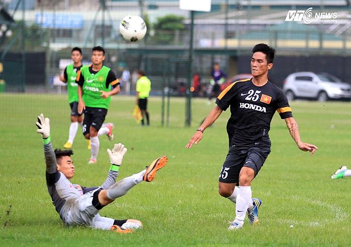 Trong khi đó, Hoàng Thiên có cơ hội ra sân ngay từ đầu và anh đã kịp để lại dấu ấn của mình bằng bàn thắng gỡ hòa 1-1 cho U23 Việt Nam.