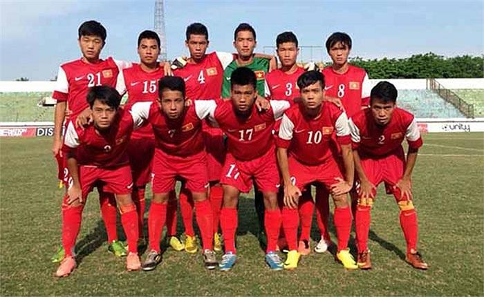 Không chỉ có Mạc Hồng Quân có giầy xịn, các tuyển thủ U19 Việt Nam cũng có rất nhiều đôi giầy thửa
