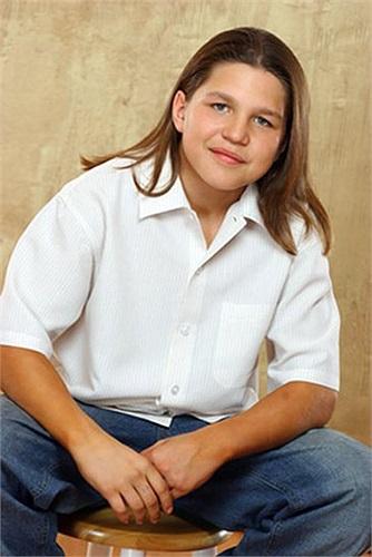 Richard Sandrak chào đời vào ngày 15/4/1992