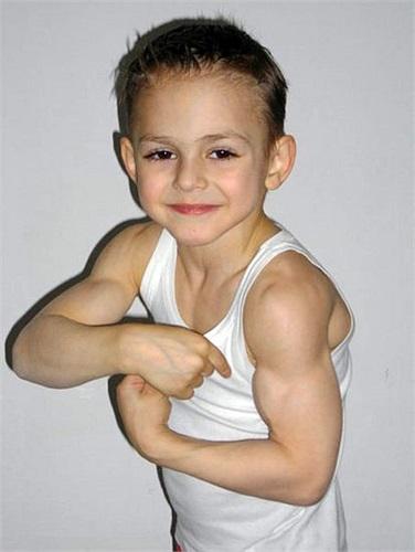 Cả Giuliano và Claudiu đều nuôi ước vọng trở thành lực sĩ khi mới 2 tuổi