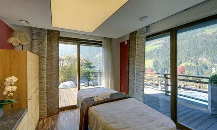 Giá phòng của khách sạn 5 sao này đương nhiên cũng vô cùng đắt đỏ
