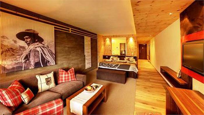 Phòng nhỏ nhất ở Merano Andreus (khoảng gần 40m2) cũng có giá lên tới gần 140 euro/đêm (tương đương 4 triệu VNĐ)