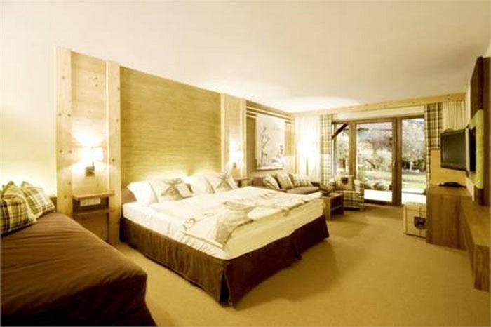 Còn phòng lớn nhất, dành cho từ 2-4 người ở, có giá hơn 240 euro/đêm (gần 7 triệu đồng)
