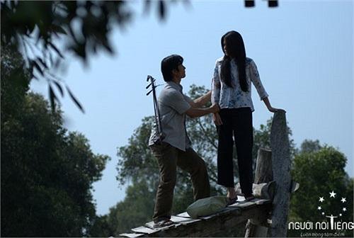 Dù chỉ xuất hiện thoáng quá trong vai vợ ông Võ, Dustin Nguyễn đóng, nhưng Hà Tăng đã hút hồn người xem.
