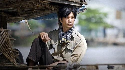 Diễn xuất của Dustin Nguyễn trong Cánh đồng bất tận để lại dấu ấn sâu trong mắt người xem.