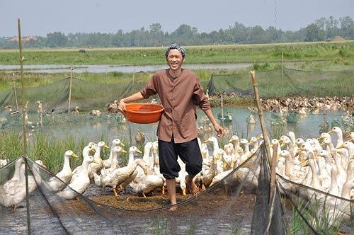 Hoài Linh là một trong những diễn viên có nhiều vai 'hai lúa' để đời nhất trên màn ảnh Việt.