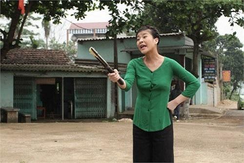 Kim Oanh thể hiện ấn tượng vai diễn cô Ló chua ngoa trong Ma Làng.