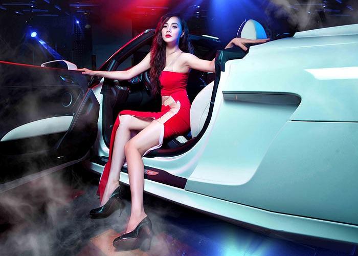 Người đẹp Trang Nhung là một trong những sao Việt ưa chuộng dòng xe Audi.