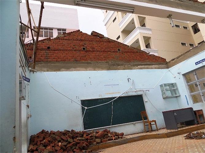 Trường Tiểu học Hoàng Văn Thụ (đường Trần Phú, quận Hải Châu, TP. Đà Nẵng) là một trong những ngôi trường bị thiệt hại nặng nề do cơn bão số 11 vừa qua (Ảnh: GDTĐ)