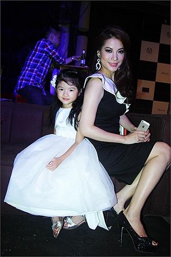 Còn Trương Ngọc Ánh chia sẻ, từ sau Đẹp Fashion show cách đây hơn một năm, đến nay chị mới quay lại sàn catwalk.