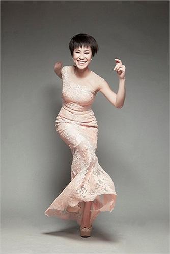 Trước kia, Uyên Linh không được mọi người đánh giá cao về gu ăn mặc và thẩm mỹ.