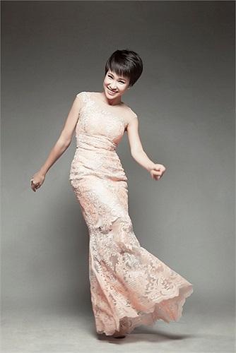 Bằng sự nỗ lực của bản thân, Uyên Linh đang chứng tỏ cho công chúng biết cô đang dần đẹp lên