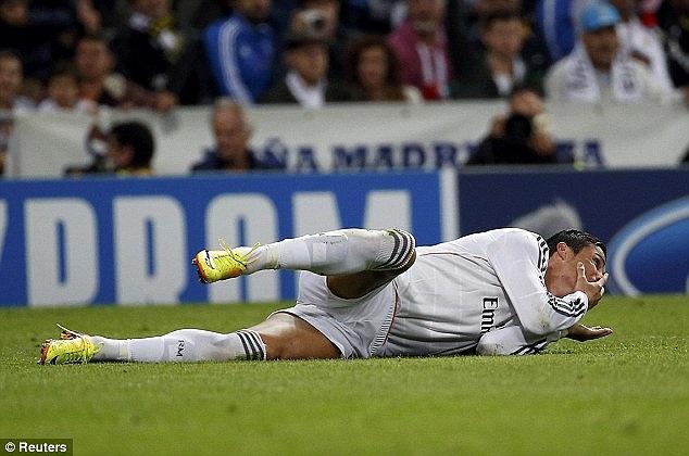 Ngay từ phút thứ 4 của trận đấu, Ronaldo đã đưa Real vượt lên dẫn trước bằng một bàn thắng đẳng cấp. Đó là pha bóng anh đi qua cả thủ thành Buffon và kết thúc ở góc hẹp. Trước đó, Di Maria là người chọc khe cho anh.